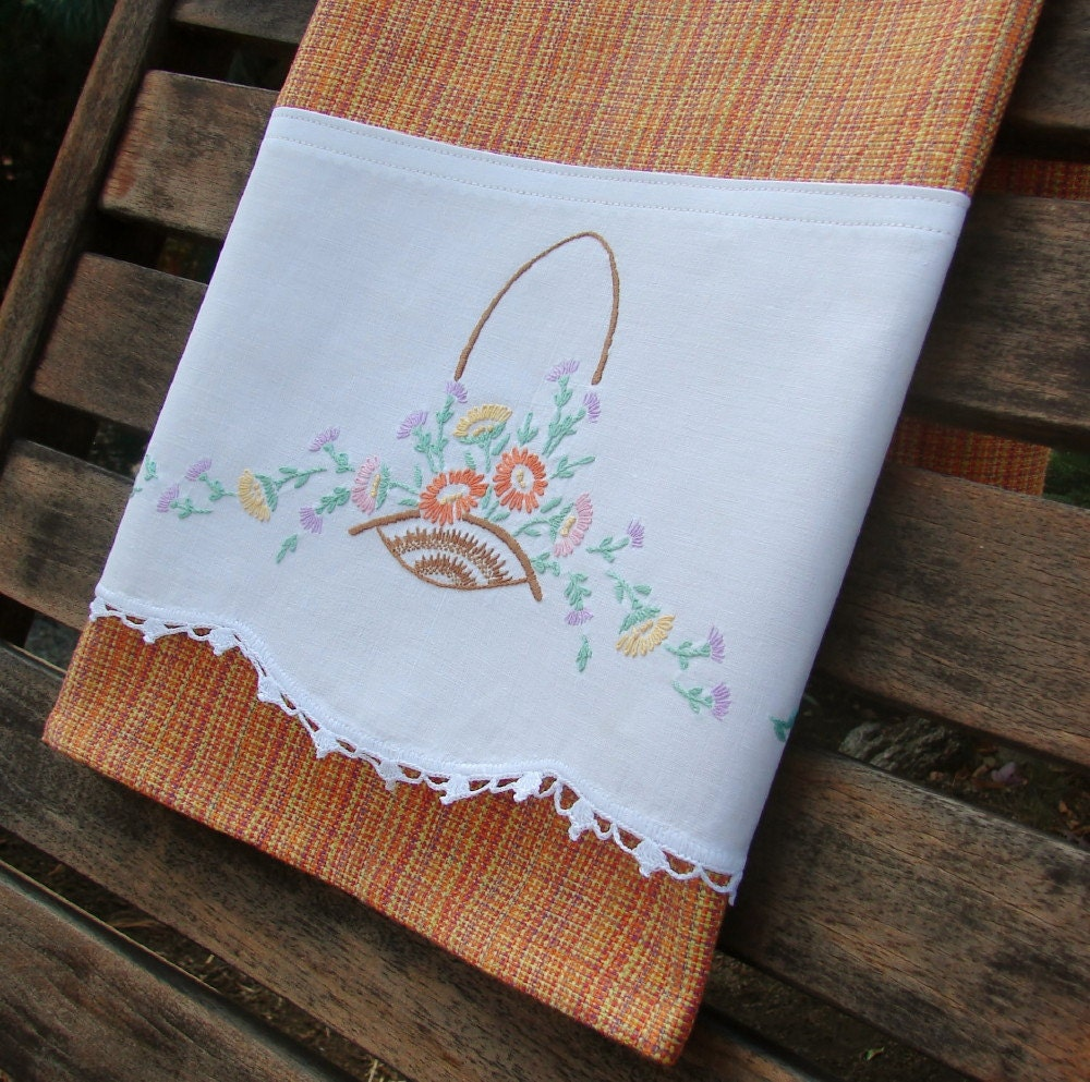Retro Kitchen Linens: Tea Towel Recycled Vintage Linen Kitchen Towel Farmhouse