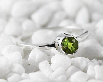 Sterling Silver Peridot Ring Natural Green Womens Engagement Jewelry