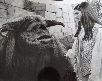 1986 Labyrinth Press Photograph, Jennifer Connelly Sarah & Ludo, Magic Kingdom, Desire after eating poisonous peach, Tri Star Pictures