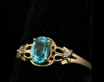 ON SALE Beautiful Valentine Swiss Blue Topaz Women's Vintage Gold Ring with Diamonds