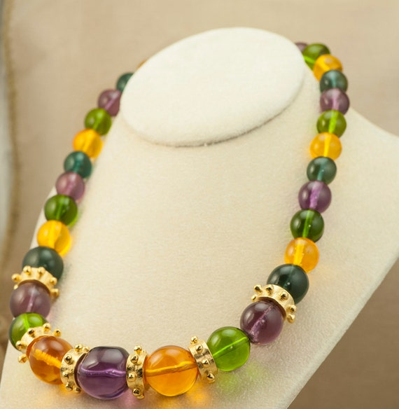 Buy products related to colorful statement necklaces and see what customers say about colorful statement necklaces on skytmeg.cf FREE DELIVERY possible on eligible purchases. this necklace is beautiful. The color is so vibrant and stylish. This is a great choice and I love it. It is very large and definitely in the category of statement.