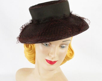 1940s Tilt Hat Brown Straw Brimmed with Netting Sz 18