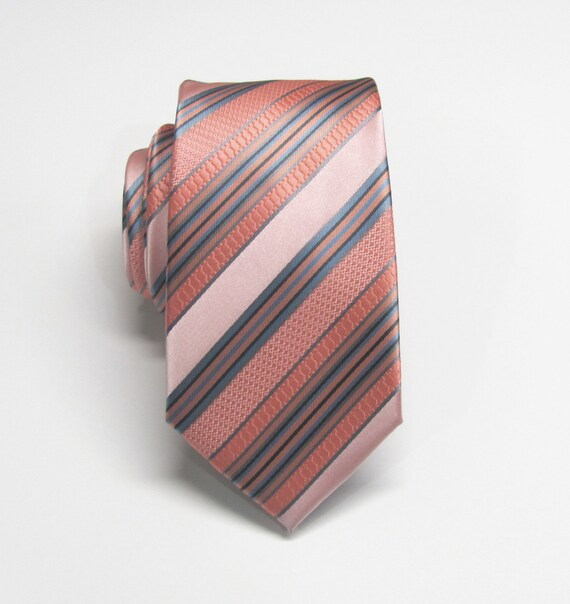 You searched for: coral and blue tie! Etsy is the home to thousands of handmade, vintage, and one-of-a-kind products and gifts related to your search. No matter what you're looking for or where you are in the world, our global marketplace of sellers can help you find unique and affordable options. Let's get started!