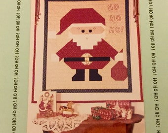 "Vintage 1989 Santa Cloth 25 x 29"" Wall Quilt, uncut, Home Decoration"