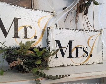 Wedding Signs, Mr. and Mrs. Signs, GOLD or ROSE GOLD Initials, Bride and Groom Chair Signs, Chair Hangers. 9 x 5 inches