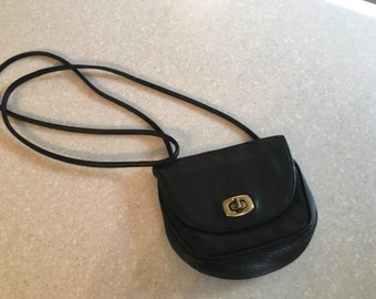 Nine West black leather cross body purse ~vintage~