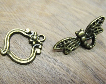 Whimsical Dragonfly Toggle Clasp Antique Bronze Tone Clasps 22mm x 19mm with 29mm Bar 5 clasps