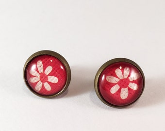 White Flower on Red Antique Brass Glass Stud Earrings - Post Earrings