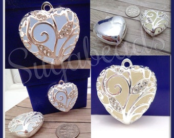 1 Silver Plated Glow in the dark Heart Pendant 31mm