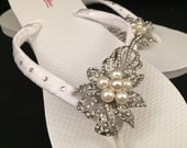 One of a Kind Pearl and Rhinestone Floral Brooch White Bridal Wedding Flip Flops Size 9/10