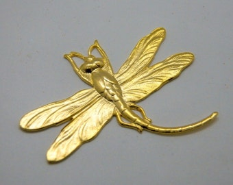 Dragonfly Pendant in Matte Gold 46x35mm (1) 037
