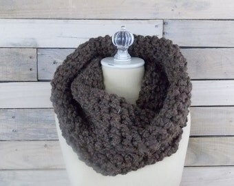 Circle scarf / Chunky Knit Cowl / Shrug ~ Wood ~ No. 1012