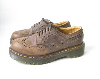 DOC MARTEN  Made in England Brown Lace Up Wing Tip  Oxfords. Size 6 UK// Size  8 Women's  U.S.