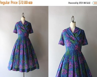 STOREWIDE SALE 50s Dress / Vintage 1960s Dark Floral Daisies Dress / Early 60s Sheer Shawl Collar Day Dress