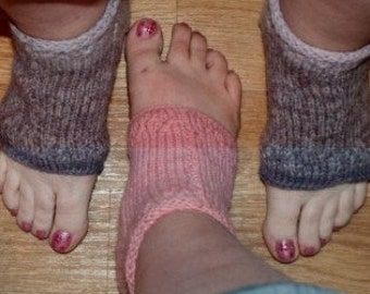 PDF Pedi Sock and Sock Pattern on straight needles -Video and telephone help available-written in everyday language-Fast and easy-