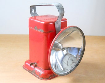 Vintage Delta Poweray Flashlight • Vintage Red Camping Lantern • Vintage 6 Volt Lantern Light