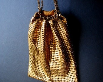 Gatsby  vintage 20s gold mesh , drawstring , pouch- coin purse-cosmetic bag. Made by Whiting and Davis.