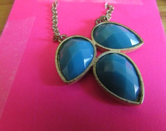 blue leaves pendent