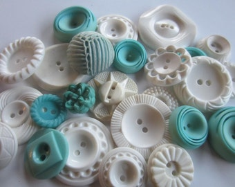 Vintage Buttons - Cottage chic mix of aqua and white lot of 25 old and sweet (jan 227b)
