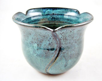 Modern pottery bowl, tulip design pottery bowl, serving bowl, teal blue, wedding gift - In stock