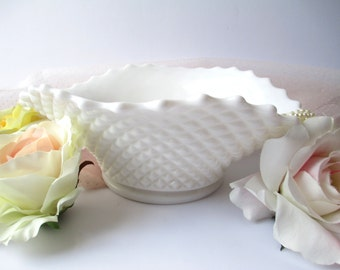 Vintage Westmoreland Milk Glass English Hobnail Serving Bowl
