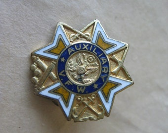 VFW Auxiliary Pin Enamel Brooch Gold Vintage