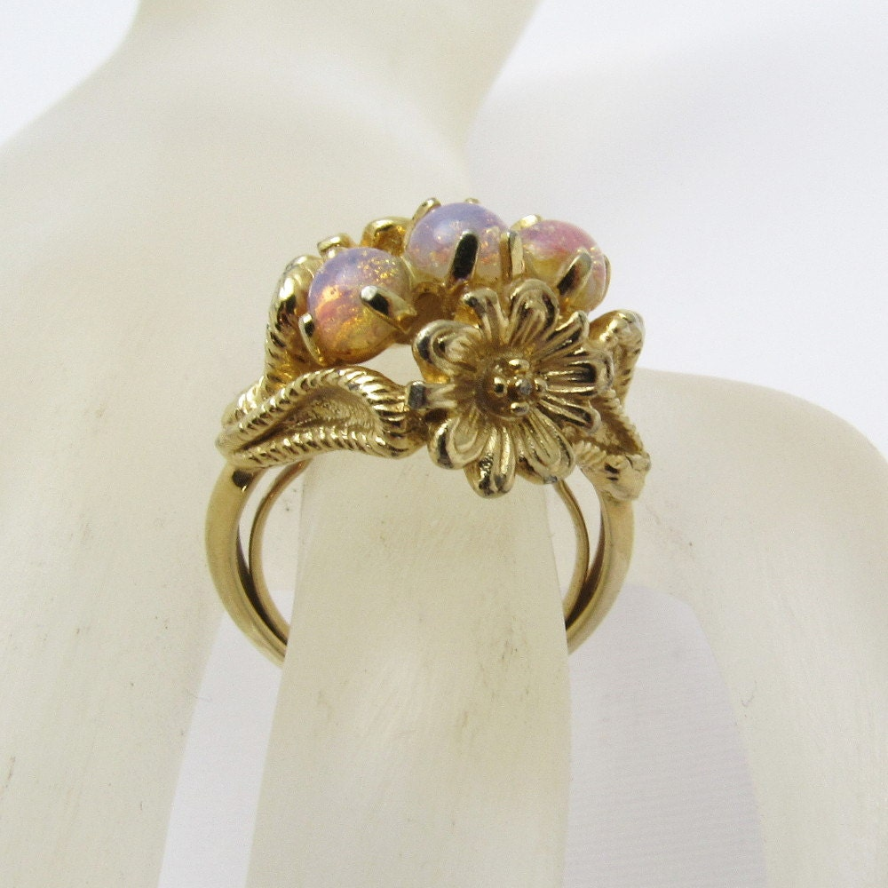 Glass Opal Ring Tall Floral Avon Vintage Jewelry R7261