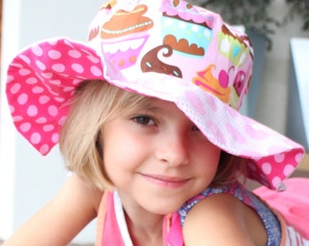 Sun Hat with cute polka dots for toddler girls, Beach Wear, with butterflies and cupcakes
