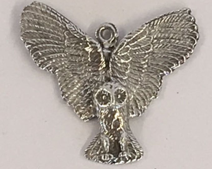 Barn Owl with wings out in flight pendant   1 bail made with lead free  Australian Pewter B90