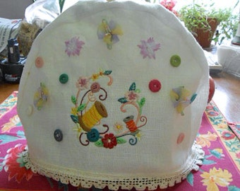 Cozy SEWING SPOOL & BUTTONS Teapot Cosy, Embroidered Flower Garland White Linen, Ribbon Sweet Peas Lace Trim, Flannel Lined 9 x 15 Mom Gift