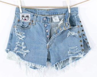 Levi's Denim Cutoff  Grommet Eyelet Shorts Tattered Blue Distressed High Waist 501 Levi Jean Shorts Free Size