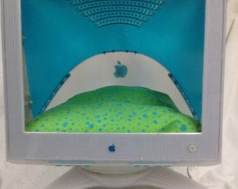 Upcycled Mac G4 Cat Nap Abode