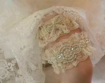 Heirloom  Wedding Garter Set,Ivory Chantilly Lace Garter ,Garter Set,Ivory Bridal Garter