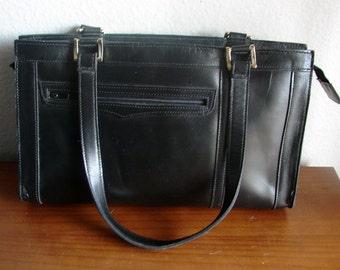 EXTREME DESTASH - 1 Dollar - Black Leather Mod Shoulder Bag by Trio of California
