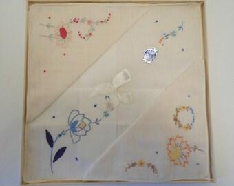 Vintage Boxed Set Hand Embroidered Handkerchiefs Hankies Vintage Hanky