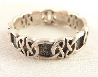 Size 9.5 Vintage Sterling Celtic Design Band Ring
