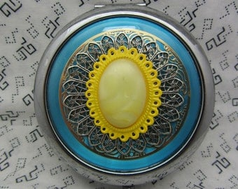Compact Mirror Sunny Comes With Protective Pouch