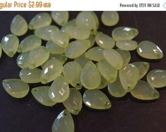 ON SALE CLOSEOUT Sale - Faceted Tear Drop Lemon Green Lucite Beads - 13mm x 9mm - 40 pcs