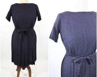 "1960s classic dress | black short sleeve simple dress | vintage 60s dress | W 32"""