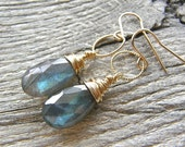 Labradorite and Twist Circle Gold Earrings, Simple Gold and Blue Flash Stone Earrings