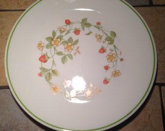 4 Strawberry Sundae Dinner Plates by Corelle