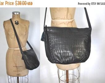 SALE 40% OFF Leather Shoulder Purse / Navy Blue bag