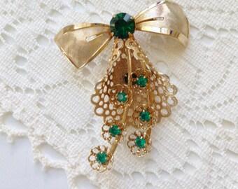 Vintage Emerald Green Rhinestone Ribbon Bow Pin Brooch