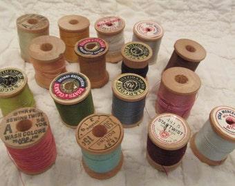 Vintage Wood Thread Spools Lot of 16 wooden thread spools textile thread Multi Color