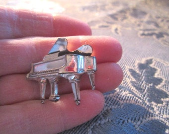Vintage Sterling Silver Figural Grand Piano Brooch Signed Beau