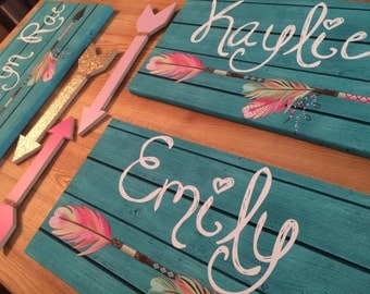 Arrow Personalized Stretched Canvas and Set of 3 Coordinating Wooden Arrows CS0060