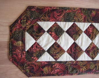 Quilted Table Runner Patchwork Reversible  Modern abstract burgundy  abstrQuiltsy  Handmade
