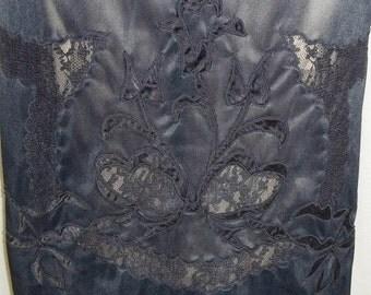 Spooktacular SALE Vintage Lace Inlay Tulip Design Nylon Half Slip Black Lace Small