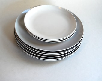 Vintage Collection of Plastic Pan Am Plates