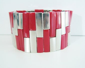 Vintage red and silver abstract beaded stretch bracelet (P)